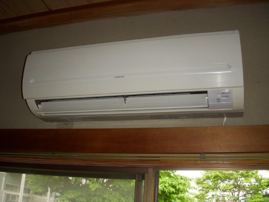 壁掛けエアコンのクリーニング
